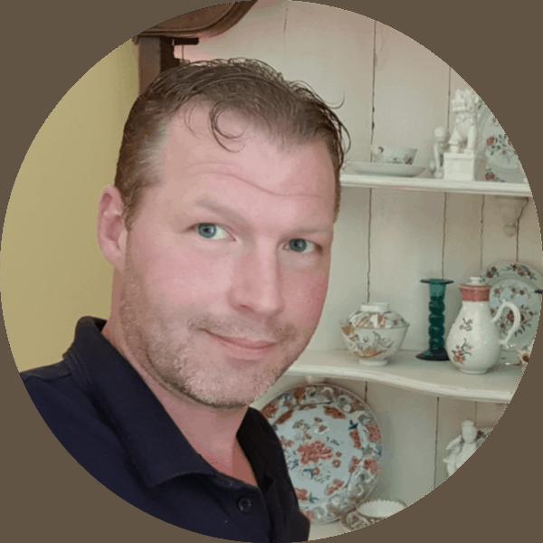 Chris Hofs eigenaar Antikipedia